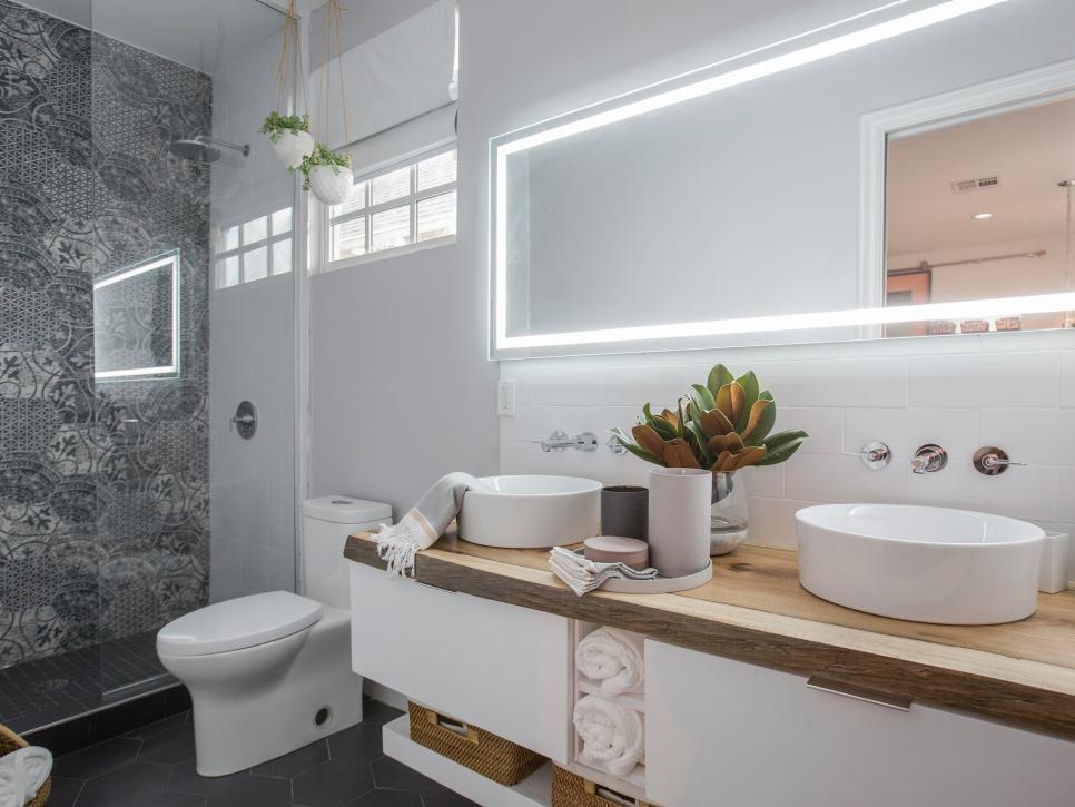 Brothers-Take-New-Orleans-Drews-Master-Bathroom